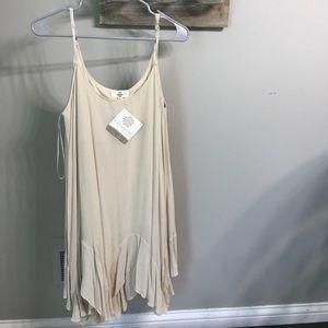 Dresses & Skirts - Cream boutique bought large dress